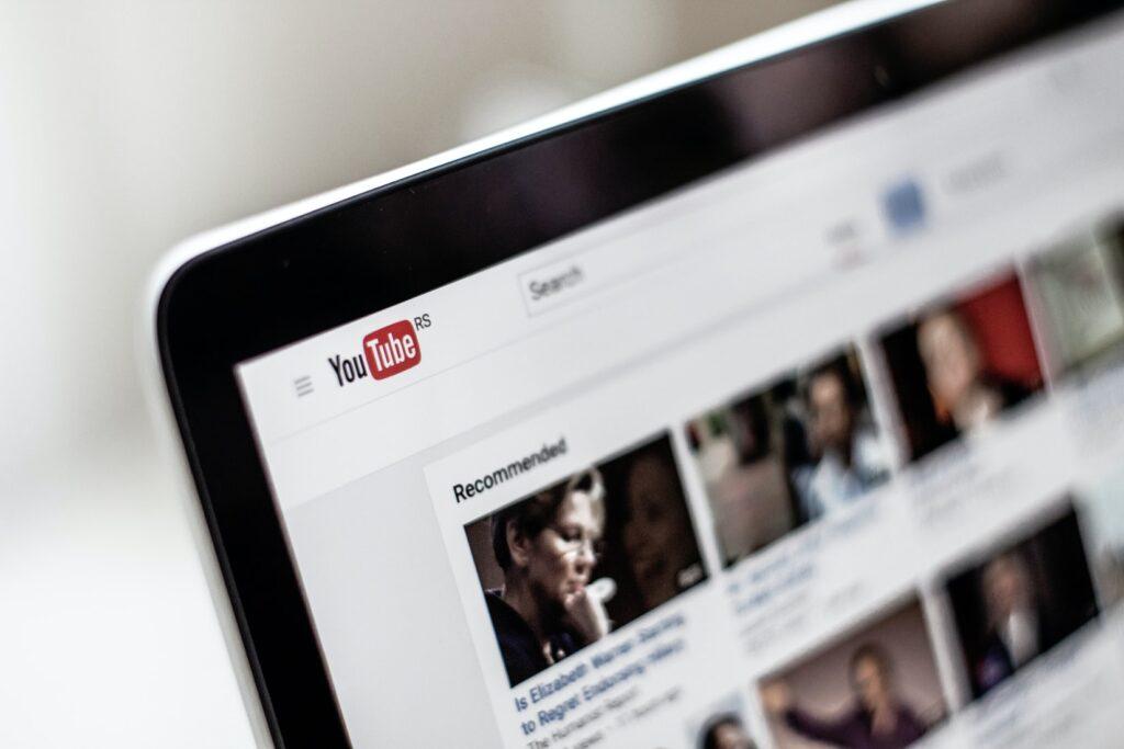 درآمد دلاری از طریق یوتیوب